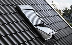 Bild - Original VELUX Dachfenster Rollladen